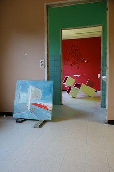 Brantt - Mass_01, 70x70 cm., oil on canvas,  Magenta-30/120.90.90, 120 x 90 x 90 cm., high gloss paint on MDF