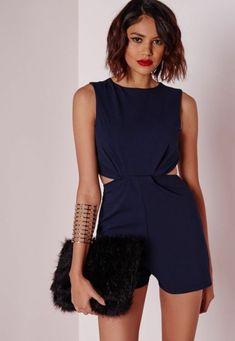t festliche kleider kurz hemdhose schwaze tasche goldener armband kutze haare roter lippenstift