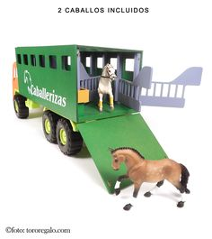Schleich Horses Stable, Horse Stables, Horse Barns, Miniature Horse Tack, Horse Transport, Bryer Horses, Toy Barn, Showing Livestock, Hobby Horse