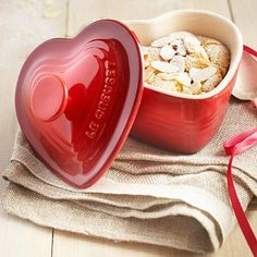 Heart-shaped ramekins... A great gift idea for the baker who loves pretty things!