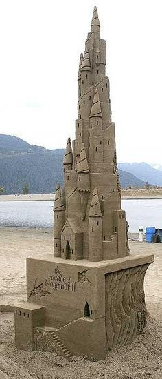 Sand Art is the practice of modelling sand into an artistic form, such as a sand brushing, sand sculpture, sand painting, or sand bottles. A sand castle is a type of sand sculpture resembling a min… Snow Sculptures, Art Sculpture, Estilo Resort, Oregon Beaches, Ice Art, Snow Art, Grain Of Sand, Beautiful Castles, Land Art