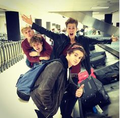 the vamps they are so cute Bradley Simpson, Meet The Vamps, Bradley The Vamps, Will Simpson, New Hope Club, My Future Boyfriend, 1d And 5sos, My Best Friend, Boy Bands
