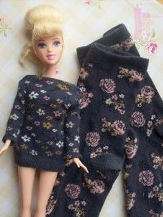 Habiller Barbie avec de vieilles chaussettes