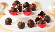 Simply Sensational Truffles Recipe - No one will believe these rich-tasting treats are a mix of just two ingredients - Philadelphia Cream Cheese and Baker's Chocolate. Kraft Foods, Kraft Recipes, Easy Cookie Recipes, Candy Recipes, Baking Recipes, Dessert Recipes, Christmas Cooking, Christmas Desserts, Christmas Pops