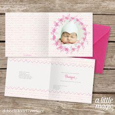 Een lief geboortekaartje met aquarel illustraties in roze met een foto van jullie eigen kindje.
