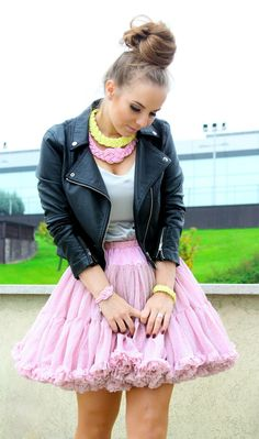 Pastel necklaces and bracelets! Necklaces, Bracelets, Pink Yellow, Tulle, Pastel, Jewellery, Skirts, Handmade, Fashion