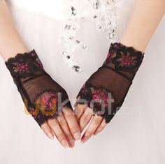 Lace Fingerless Wrist Length Wedding Gloves - UUknot.com