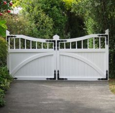 Wooden driveway gates in Christchurch NZ