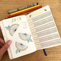 Bujo Juin Mood et Activity tracker Bullet Journal A6, Celine, Bujo, Illustrations, Mood, Activities, Painting Classes, Pen Illustration, Watercolor And Ink