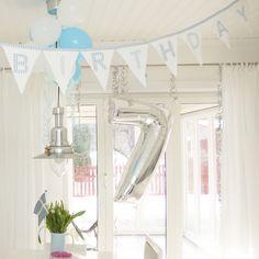 Seven, birthday, kitchen, wite living, ikea, bunting, molban, annashjartan