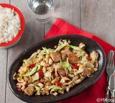Spitskool met kip & pinda's Kung Pao Chicken, Cobb Salad, Potato Salad, Paleo, Low Carb, Rice, Healthy Recipes, Healthy Food, Lunch