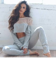 Sophia Miacova in cute workout outfit. Photography Poses, Fashion Photography, Sport Outfits, Cute Outfits, Fitness Photoshoot, Moda Fitness, Fashion Outfits, Womens Fashion, Fashion Coat