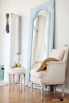 3 Amazing Tips AND Tricks: Shabby Chic Blue Old Windows shabby chic wardrobe.Shabby Chic Blue Old Windows. Home Staging, Shabby Chic Stil, Estilo Shabby Chic, My Living Room, Living Spaces, Reclaimed Doors, Repurposed Doors, Vibeke Design, Decoration Inspiration