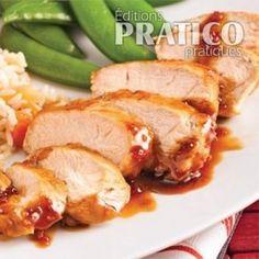 Vite cuisiné, le poulet compte parmi les chairs chouchous de nos soupers rapido. Préparée à la poêle en moins de 30 minutes, la volaille s'attendrit ici au contact d'une sauce délicieusement sucrée à laquelle les épices donnent un p'tit goût piquant. Une recette parfaite avec du riz aux amandes grillées ou des pois sucrés!