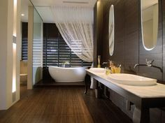 bathrooms with spa shower, I want!