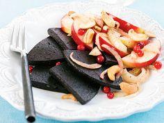 Blodpudding med äppel- och fänkålssallad