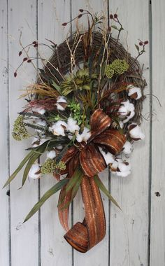 Wildflower Cotton Boll Wreath Raw Cotton Bolls by FloralsFromHome Country Wreaths, Holiday Wreaths, Fall Flowers, Dried Flowers, Diy Wreath, Grapevine Wreath, Cotton Decor, Summer Wreath, Flower Arrangements