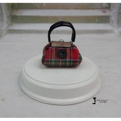 Sac à main N°276 pour poupée Barbie, Fashion Royalty, Silkstone,Poppy Parker, fait-main par F3788 | F3788 Accessoires Barbie, Poppy Parker, Butter Dish, Lunch Box, Purse, Handmade, Barbie, Beautiful Dolls, Molle Pouches