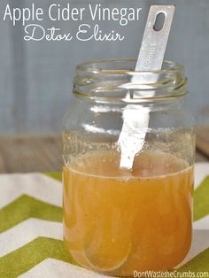 Get a healthy start to the new year with a simple apple cider vinegar detox elixir. Easy to make and tastes great, it's an easy way to improve digestion and your overall health from the inside out! :: DontWastetheCrumbs.com