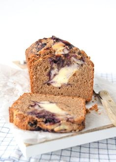 Kaneelcake met bosbessen cheesecake swirl - Laura's Bakery Bakery Recipes, Cookie Recipes, Cake Cookies, Cupcake Cakes, Cupcakes, Pie Cake, Pastry Cake, Sweet Cakes, How To Make Cake