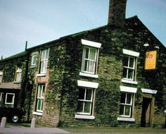 The Black Horse, Moss Bank, St Helens. Sadly no longer there St Helens Town, Industrial Architecture, Childhood Memories, Nostalgia, Shops, Lost, Urban, House Styles, Black