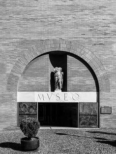 Rafael Moneo. National Museum of Roman Art , Merida, Espana