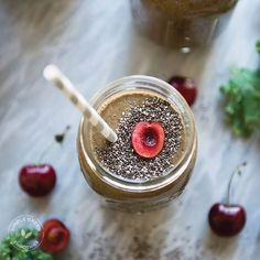 KALE 'N CHERRY | serves two 2 cups fresh kale 2 cups almond milk, unsweetened 2 cups cherries, pitted* 1 banana 1 tablespoon cacao powder 1 tablespoon chia seeds *Can substitute cherries with berries.