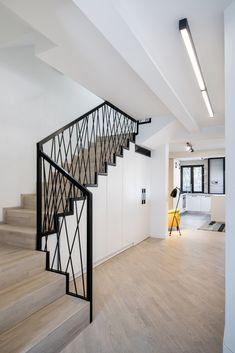Staircase Railing Design, Interior Stair Railing, Modern Stair Railing, Balcony Railing Design, Home Stairs Design, Modern Stairs, Dream Home Design, Tiny House Design, Home Interior Design