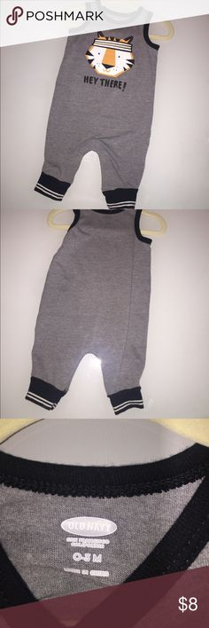 """Old Navy """"Hey There"""" One Piece Bodysuit 🦁 Like new Old Navy baby boy 0-3 months sleeveless one piece bodysuit. Closet tags: Old Navy-baby boy-tiger Old Navy One Pieces Bodysuits"""