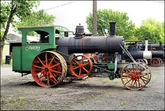 Avery steam traction engine built in Peoria, Illinois. Note the engine mounted below the boiler.