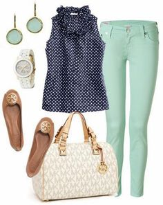 How to style pastel Jeans! Click through for lots of great Fashion tips and ideas for the Modern Mom... Jo Lynne Shane