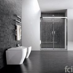 Quadro #Architectural_Shower by #ideagroup .Showroom open 7 days a week. #fcilondon #furniture_showroom_london #furniture_stores_london #ideagroup_bathroom_shower #modern_bathroom_shower #bathroom_shower #100design @designlondon