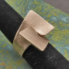 OscarCrow Handmade Jewelry: Simple ring in silver filled bronze Tutorial