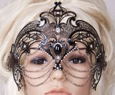 maybe mask should match the bridal party. I had a mask for my wedding (masquerade theme) that I loved, but this one is making me jealous. Masquerade Theme, Masquerade Ball, Masquerade Outfit, Masquerade Dresses, Halloween Karneval, Carnival Masks, Venetian Masks, Beautiful Mask, Headdress