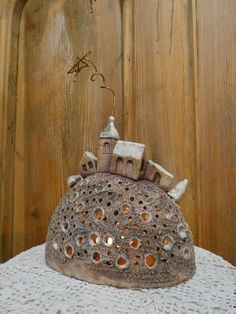 Pottery Houses, Ceramic Houses, Ceramic Clay, Ceramic Pottery, Ceramic Lantern, Ceramic Candle Holders, Clay Fairy House, Pottery Patterns, Pottery Painting Designs