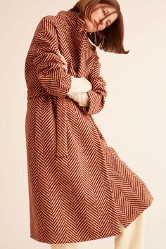 6 Fall 2018 Ready-to-Wear Fashion Show Collection: See the complete No. 6 Fall 2018 Ready-to-Wear collection. Look 2 Fashion 2018, Fashion Outfits, Womens Fashion, Coats For Women, Clothes For Women, Weather Wear, Fashion Show Collection, Fashion Fabric, Couture
