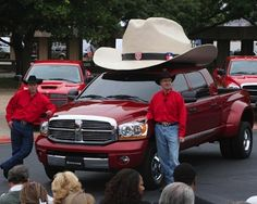 Hats on trucks are bigger in Texas. | 55 Things That Are Definitely Bigger In Texas