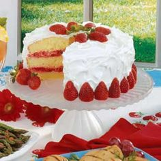 Strawberry Sunshine Cake - hubby made me a strawberry cake a few years ago for Mother's Day. It was delicious. I'd cheat here & use a boxed white cake, easier & quicker. Köstliche Desserts, Delicious Desserts, Yummy Food, Cupcakes, Cupcake Cakes, Sunshine Cake, Cake Recipes, Dessert Recipes, Strawberry Recipes