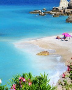 Amazing Beach Outfits ideas for this summer Beautiful Places To Travel, Wonderful Places, Beautiful Beaches, Places Around The World, Around The Worlds, Beach Please, Greece Islands, Greece Travel, Greece Vacation