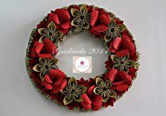 Adriana Suzuki: Natal dobrado 2014 - Guirlandas  Christmas Paper Wreath by Adriana Suzuki