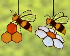 Honey bee stained glass suncatcher for window, honeycomb hanging decoration, Tif. - Honey bee stained glass suncatcher for window, honeycomb hanging decoration, Tif… – Honey bee - Stained Glass Ornaments, Stained Glass Suncatchers, Stained Glass Flowers, Stained Glass Designs, Stained Glass Projects, Stained Glass Patterns, Stained Glass Art, Glitter Ornaments, Handmade Ornaments