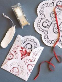 Pretty envelopes made from paper doilies. Perfect timing for Valentine's Day. Doilies Crafts, Paper Doilies, Paper Lace, Diy And Crafts, Arts And Crafts, Paper Crafts, Diy Paper, Be My Valentine, Diy Gifts