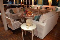 Todos los detalles que decoran un living para eventos súper elegante y sofisticado - de Ramiro Arzuaga