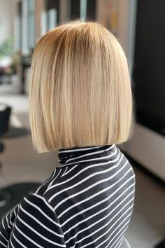 This sleek hairstyle is great for women with oval, square, or heart-shaped faces. Go to our website to see more stylish blunt bob haircuts. Photo credit: Instagram @evolvebozeman #bluntbobhaircuts #blunthaircuts