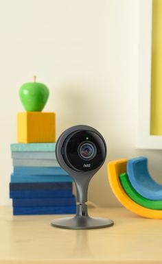 1080p HD. 8x digital zoom. 130º wide angle view. And it live streams to your phone. Not bad for such a little camera. Meet the new Nest Cam.