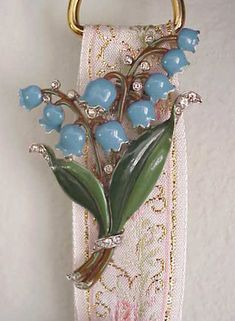 TRIFARI blue lily-of-the-valley two-pronged clip circa 1940