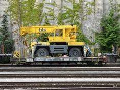 bls - Dienstwagen mit Kran X 40 63 94 08 abgestellt im Bahnhofsareal von Spiez am Vehicles, Photos, Crane Car, Vehicle