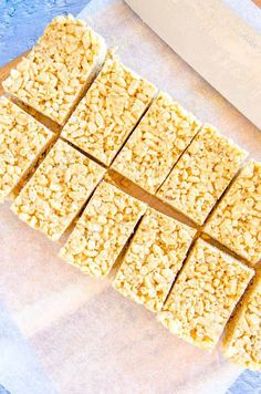 Healthy Rice Krispie Treats, Rice Crispy Bars, Rice Krispy Treats Recipe, Oat Slice Healthy, Healthy Peanut Butter, Healthy Baking, Healthy Snacks, Healthy Recipes, Rice Bubble Recipes