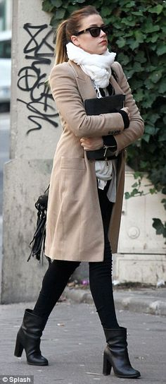 That trenchcoat, those boots...I want!!