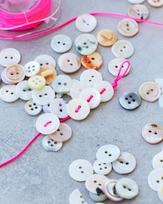 Lova's World: Beautiful Button Bracelets